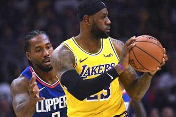 Clippers batem Lakers e acendem temporada da NBA